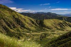Dramático pase por alto de las montañas de San Bernadino Imagenes de archivo