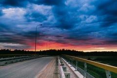 dramat nocy malownicza droga kołysa niebo Zdjęcie Royalty Free