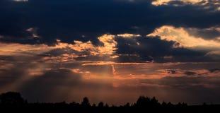 Dramati, cielo místico Fotos de archivo libres de regalías