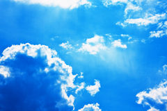Dramatic blue sky with cumulus clouds Royalty Free Stock Images
