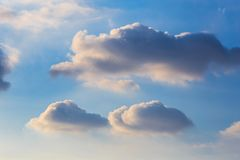 Dramatic blue sky with fluffy clouds and sun shine Royalty Free Stock Photos