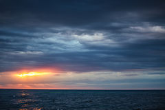 Dramatic cloudscape over the sea Royalty Free Stock Photos