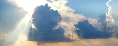 Dramatic cloudy summer sky. Background Royalty Free Stock Photo