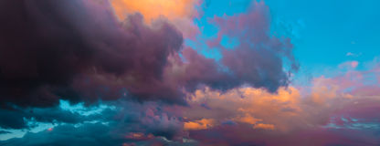 Dramatic evening cloudy sky at sunset. Royalty Free Stock Photos