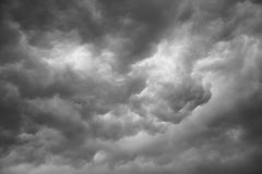 Dramatic grey clouds Royalty Free Stock Photography