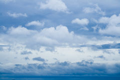 Dramatic small clouds Royalty Free Stock Photography