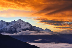 Dramatic sunrise in the Caucasian mountains Royalty Free Stock Images