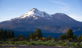 Dramatic Sunrise Light Hits Mount Shasta Cascades Royalty Free Stock Images