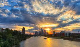Dramatic sunset over the skyline of Frankfurt Stock Images