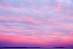 Free Dramatic Sunset Sky In Magenta And Pink Royalty Free Stock Photography - 98020017