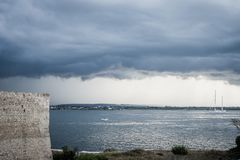 Free Dramatic View Of The Horizon On A Rainy Day From The Tourist Port Of Ortigia In Syracuse Stock Photos - 142234283