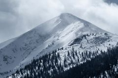 Dramatisch de winteronweer over Piek 1 in Rocky Mountains Frisco, Colorado royalty-vrije stock foto