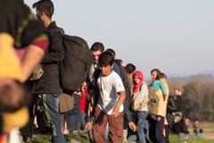 Dramatische beelden van de Sloveense vluchtelingscrisis Stock Fotografie