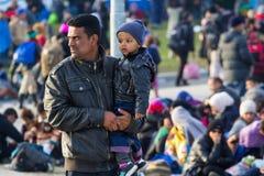 Dramatische beelden van de Sloveense vluchtelingscrisis Stock Foto's