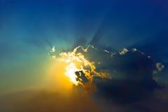 Dramatische cloudscape in blauwe hemel Royalty-vrije Stock Afbeeldingen