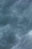 Dramatische Cloudscape Stormachtige wolken op de hemel Stock Afbeelding