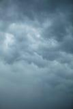 Dramatische Cloudscape Stormachtige wolken op de hemel Stock Fotografie
