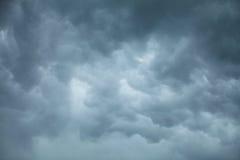 Dramatische Cloudscape Stormachtige wolken op de hemel Royalty-vrije Stock Afbeelding