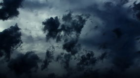 Dramatische de Tijdspannewolken van de Onweerstijd (Donkere Inkt) stock video