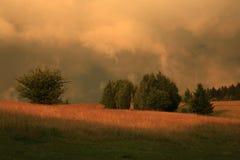 Dramatische hemel met kleurrijke wolken Royalty-vrije Stock Fotografie