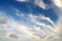 Dramatische mening van cirruswolken royalty-vrije stock foto