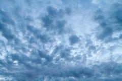 Dramatische stormachtige hemel Stock Foto's