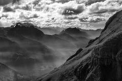 Dramatische weerverandering op de Zwitserse Alpen stock fotografie