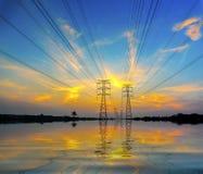 Dramatische zonsondergang tijdens vloed Royalty-vrije Stock Afbeelding