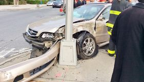 dramatisk bilolycka Fotografering för Bildbyråer