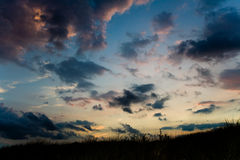 dramatisk cloudscape royaltyfria bilder