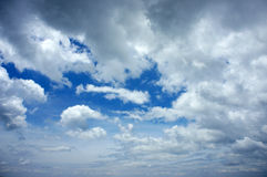 Dramatisk cloudscape, molnhimmel Arkivbilder