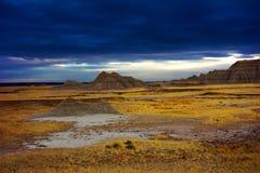 Dramatisk himmel, Badlands nationalparken, South Dakota, förenade tillståndet fotografering för bildbyråer