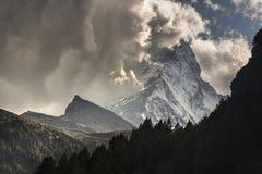 Dramatisk sikt av Matterhornen Arkivfoto