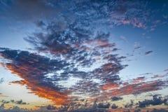 dramatisk sky Arkivfoton