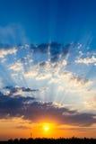 Dramatisk solnedgång någonstans i Turkiet Arkivbilder