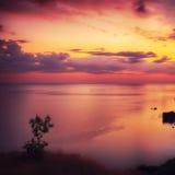 Dramatisk solnedgång på fiolent udde arkivbild