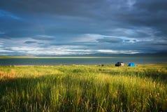 Dramatisk soluppgång över den siberian sjön Ulukol Fotografering för Bildbyråer