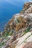 Dramatisk stenig backe i Rocky Mountain National Park Royaltyfri Bild