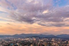 Dramatiska himmel och moln över Kuala Lumpur stadsmitt Royaltyfri Bild