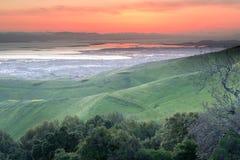 Dramatiska San Francisco Bay Area Sunset Arkivbilder