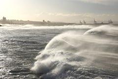 dramatiska waves Royaltyfria Bilder