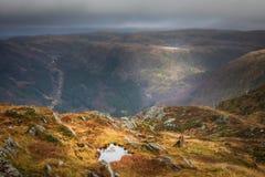 Dramatiskt landskap av berg från monteringen Ulriken Arkivbild