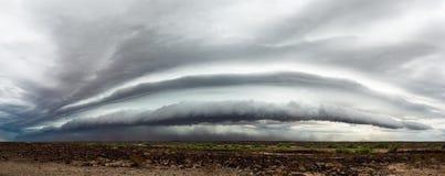 Dramatyczna burzy i półki obłoczna panorama zdjęcie royalty free