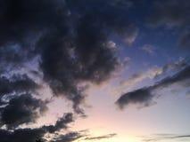 Dramatyczna chmury formacja przy zmierzchem Fotografia Royalty Free