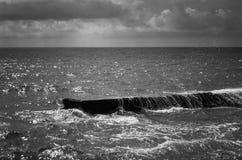 Dramatyczna scena ocean przed burzą Obrazy Stock