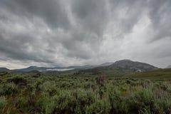 Dramatyczne chmury Nad Wyoming pustkowiem obraz royalty free