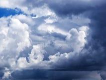 Dramatyczne cumulus chmury Obraz Royalty Free