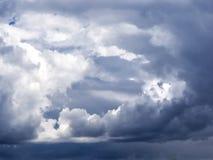 Dramatyczne cumulus chmury Fotografia Royalty Free
