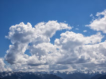 Dramatyczne cumulus chmury Obrazy Royalty Free