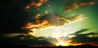 Dramatyczni nieba. Obraz Stock